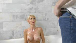 Dude Caught Stepmom Masturbating In Bathtub