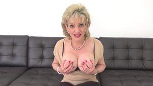 Cheating british milf lady sonia pops out her heavy jug