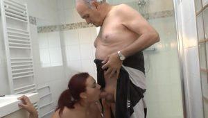 FRENCH Amateur with young and old guy