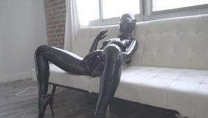 Latex Model Solo Action